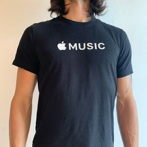 Apple Music tee